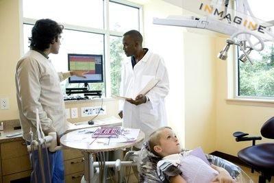 Lavora con noi seg studio di odontoiatria e ortodonzia for Retribuzione assistente alla poltrona